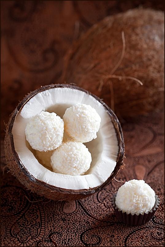 Най-лесната рецепта за кокосови трюфели