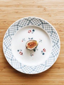 empty plate-min