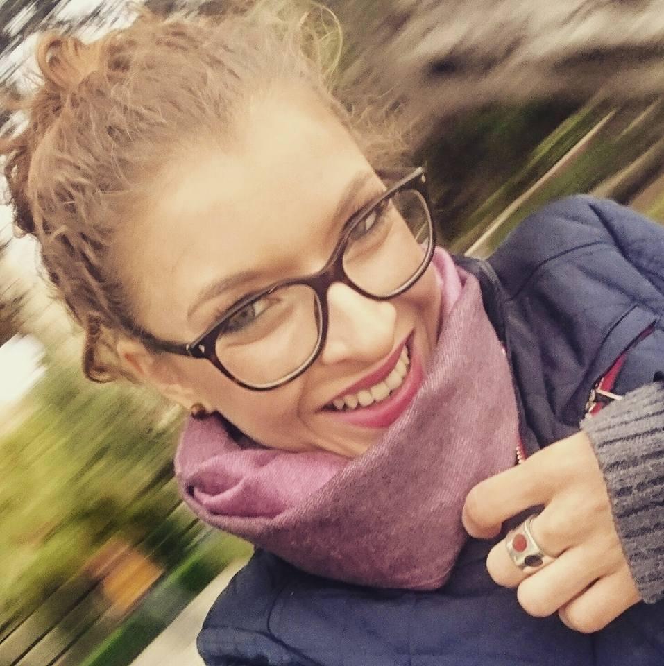 Жената с най-прекрасна усмивка - Дили :)